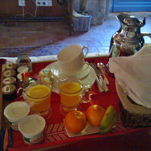 plateau-petit-dejeuner-room-service